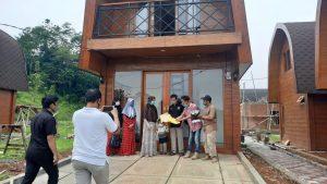 Tasnim Homestay Rumah Adat Lombok di Bogor